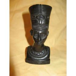 Buste en plâtre de Néfertiti