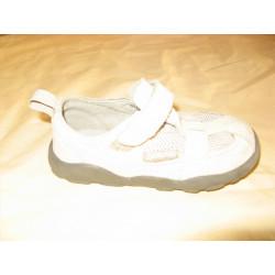 paire de chaussure enfant...