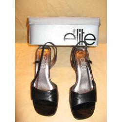 chaussure noire marque...